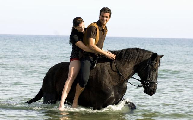 ROMANTIC HORSE RIDING